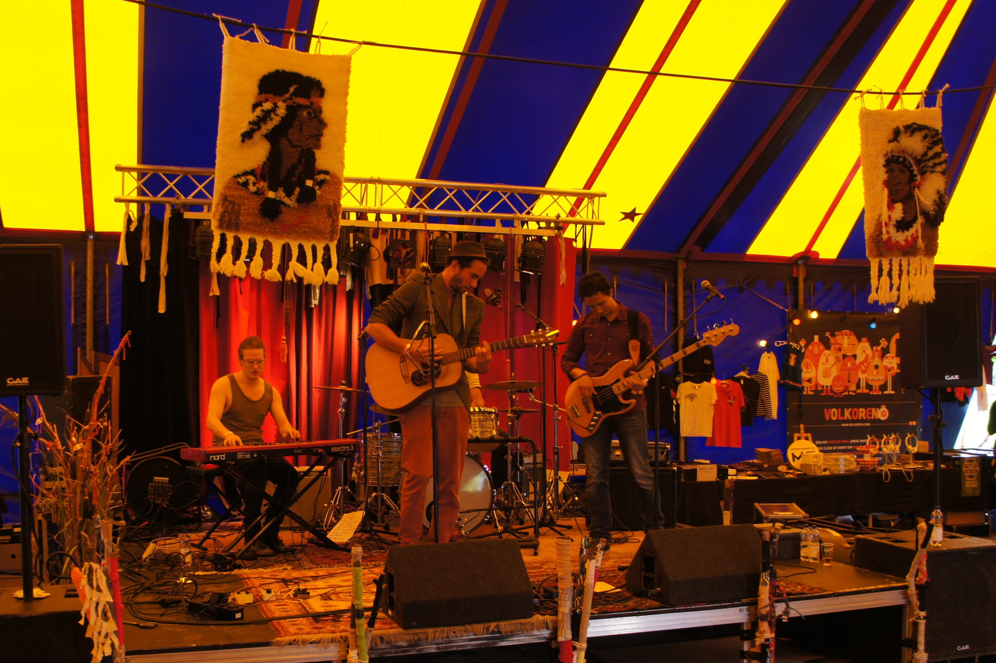 Pelvic Fins @ Festival The Brave
